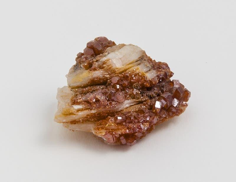 Rudny vanadinite na białym tle zdjęcia royalty free
