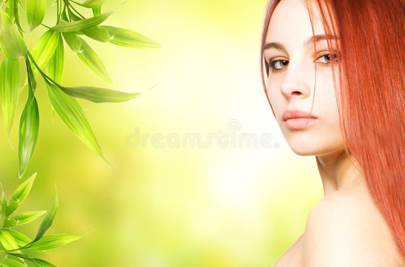 rudzielec piękna kobieta zdjęcie royalty free