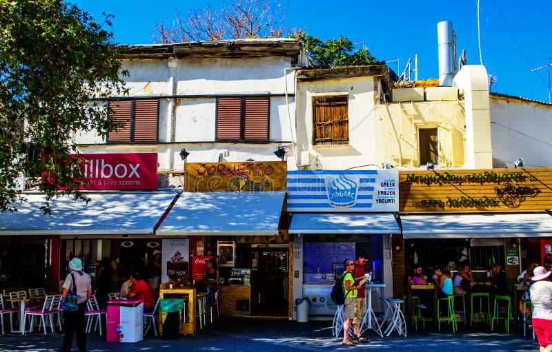 Rue à Héraklion la capitale de Crète en Grèce images libres de droits