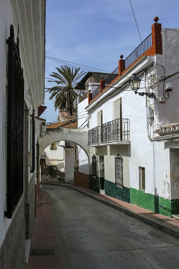 Rue étroite à Velez-Malaga, Andalousie, Espagne images stock
