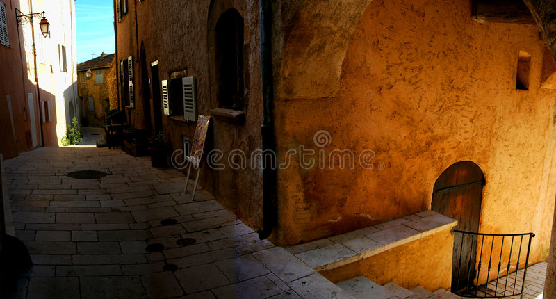 Download Rue image stock. Image du home, escaliers, ruelle, pittoresque - 736525