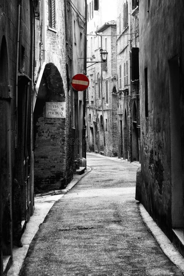 Rue antique dans la ville historique de Pérouse (Toscane, Italie) photos stock