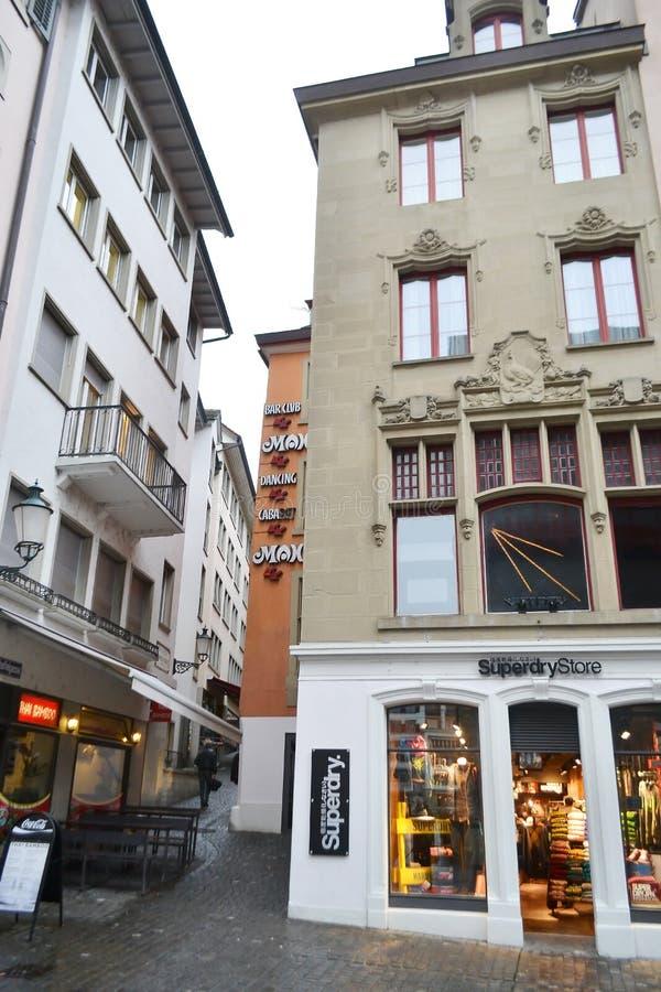 Rue au centre de Zurich images stock