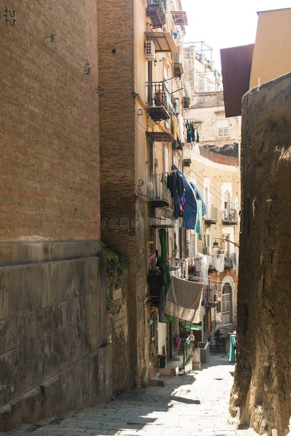 Rue au centre historique de Naples images stock