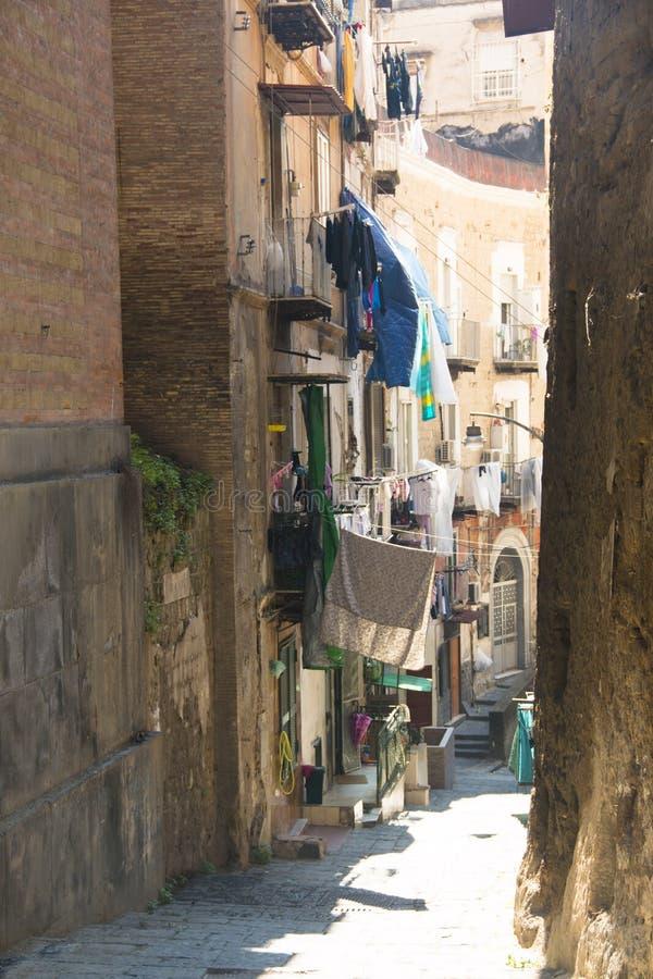 Rue au centre historique de Naples image libre de droits