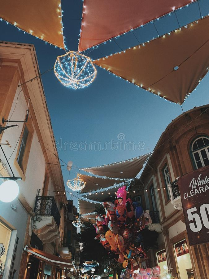 Rue au temps de Noël photo libre de droits