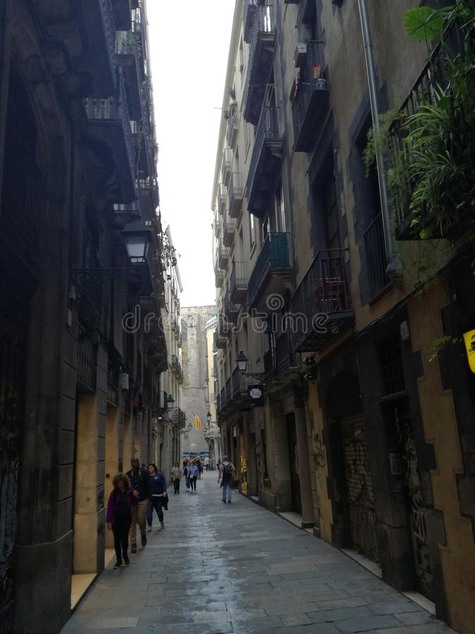 Rue cachée au coeur de Barcelone photo libre de droits