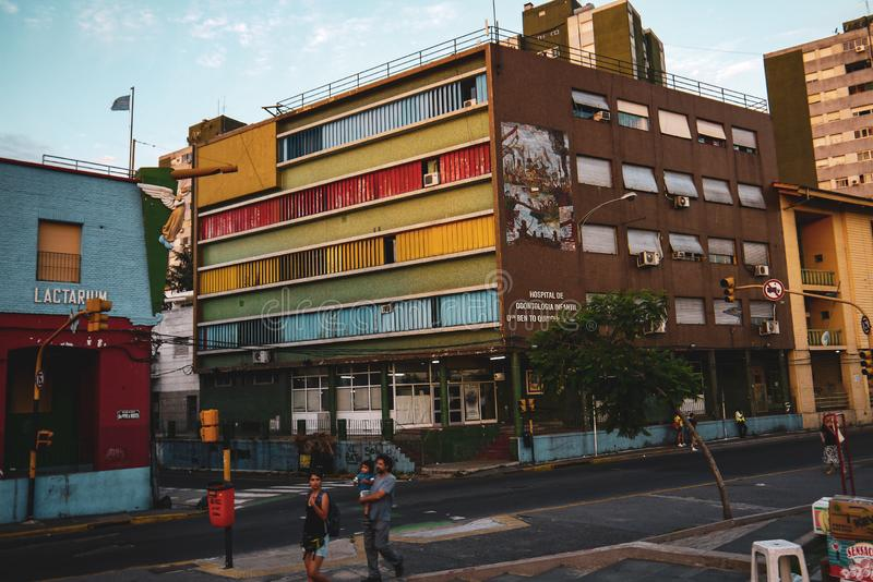 Rue colorée dans le secteur de Boca de Buenos Aires images libres de droits