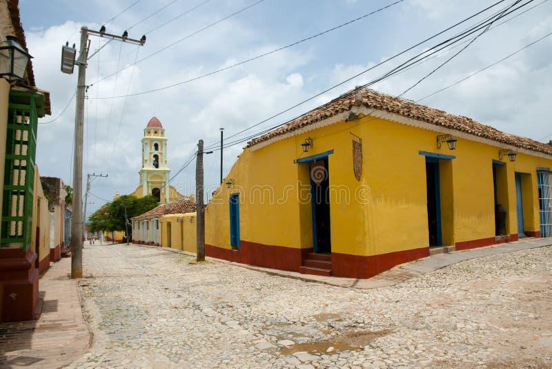 Rue colorée de pavé - Trinidad - Cuba photos libres de droits