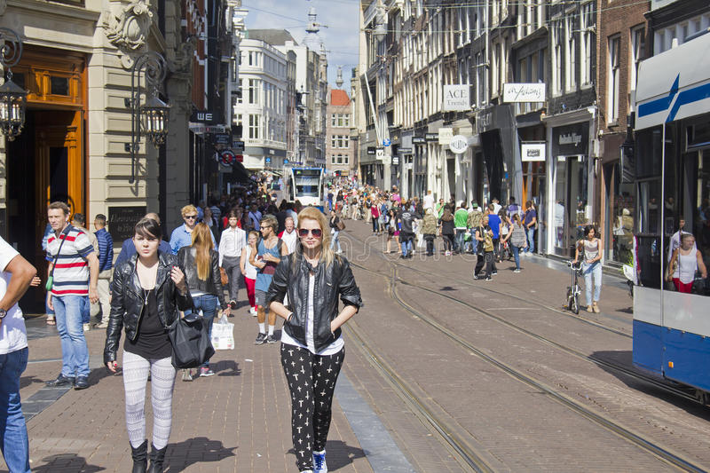 Rue d'achats d'Amsterdam images stock