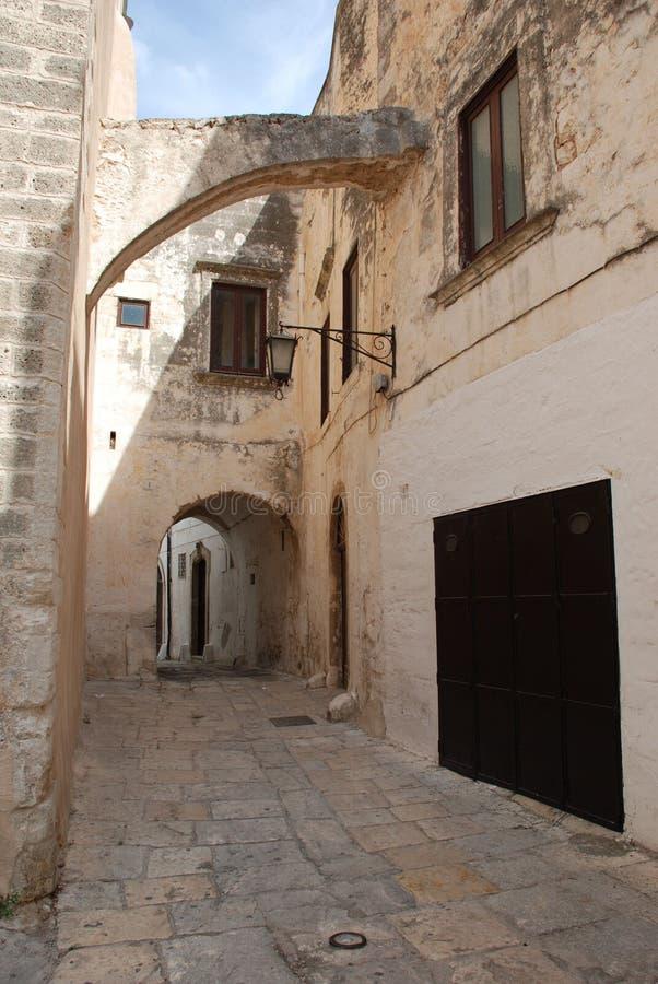 rue d'ostuni de l'Italie image stock