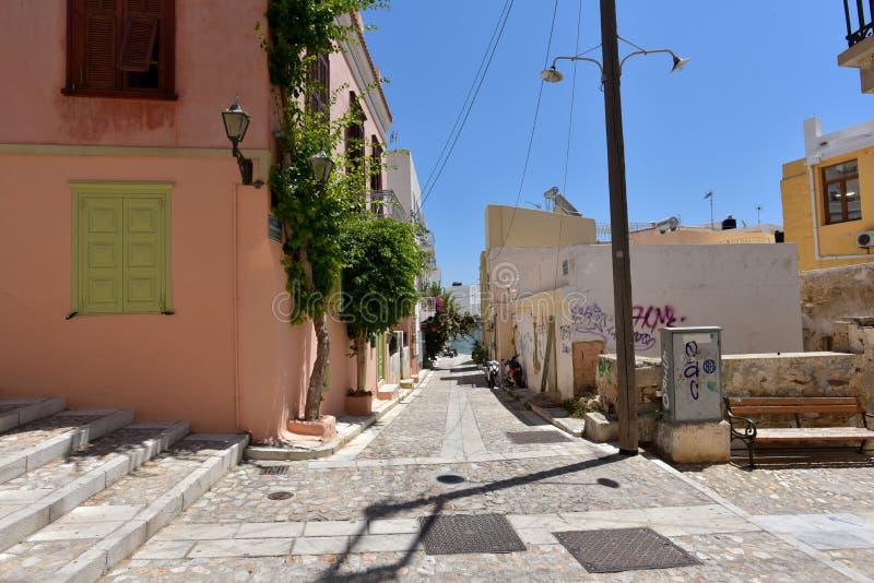 Download Rue Dans Ermoupoli Syros, Grèce Image éditorial - Image du flore, historique: 77153440
