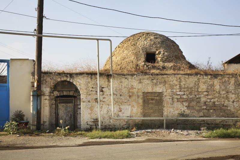 Rue dans la ville de Mardakan l'azerbaïdjan images libres de droits