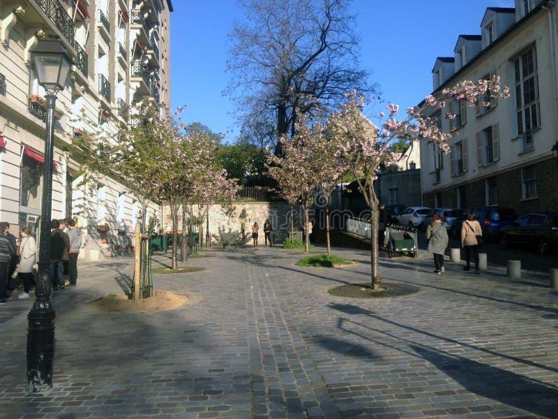 Rue dans Montmartre photographie stock libre de droits