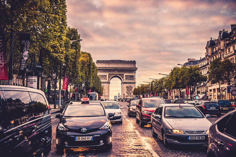 Rue de Champs-Elysees photographie stock libre de droits