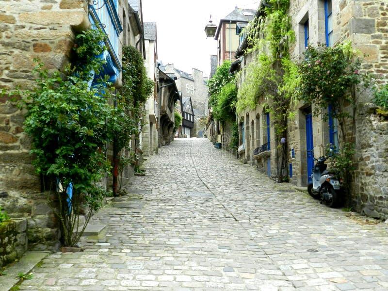 Rue de Jerzual Dinan royaltyfri bild