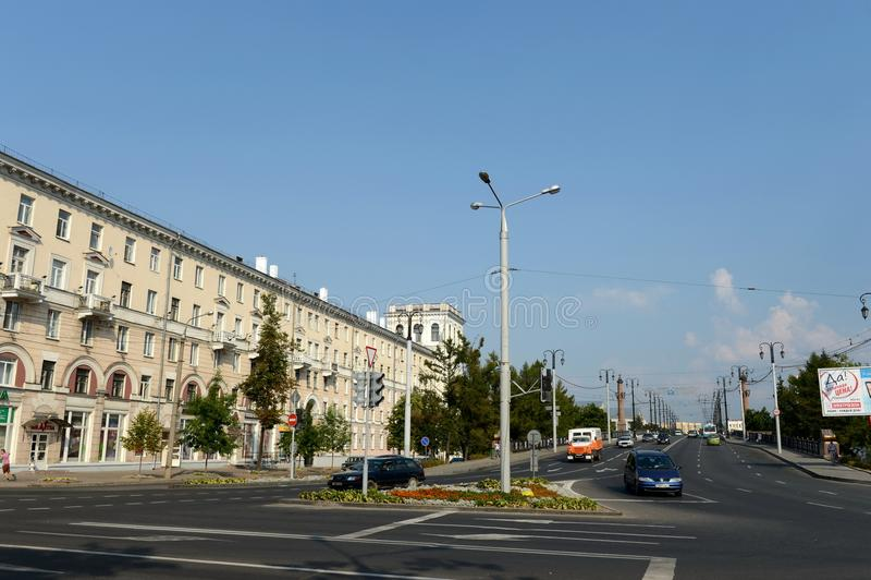 Rue de Kirov et pont de Kirov à travers le Dvina occidental à Vitebsk photographie stock
