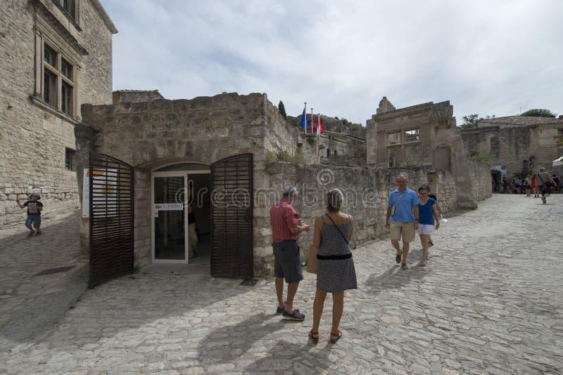 Rue de la Lauze Les Baux-de-Provence, Frankrike arkivbild