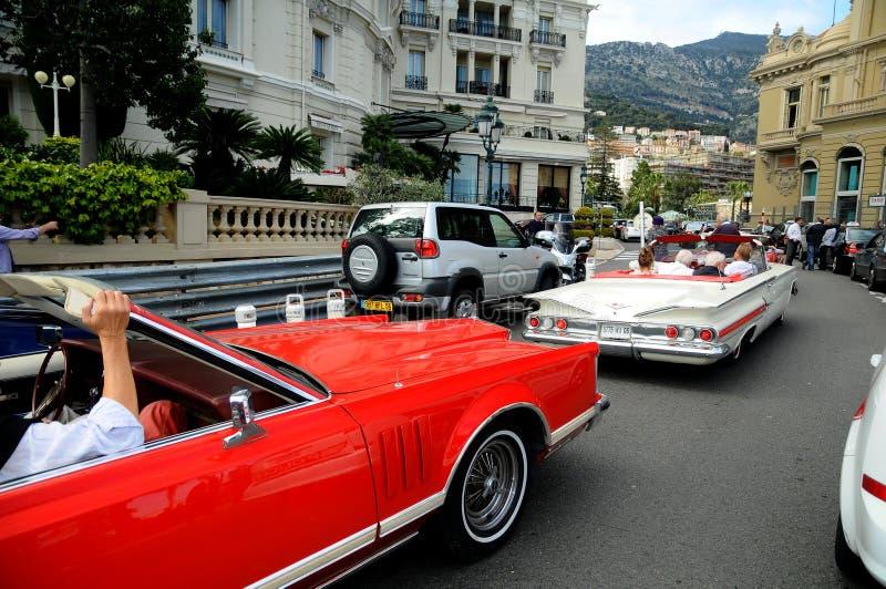 Rue de Monte Carlo - limousine de véhicule de vétéran photos stock