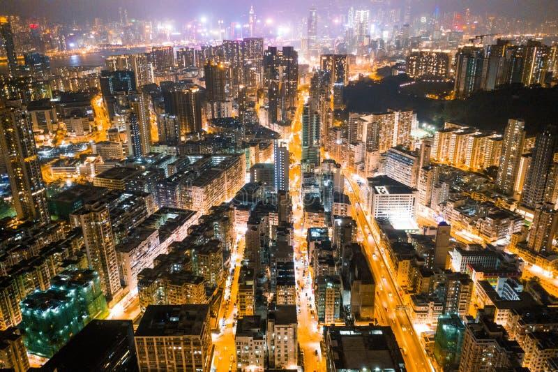 Rue de nuit dans Kowloon, Hong Kong images stock