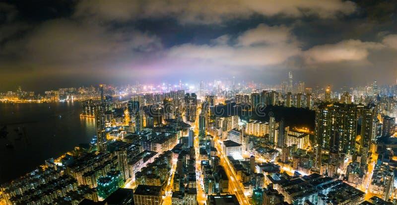 Rue de nuit dans Kowloon, Hong Kong photos libres de droits