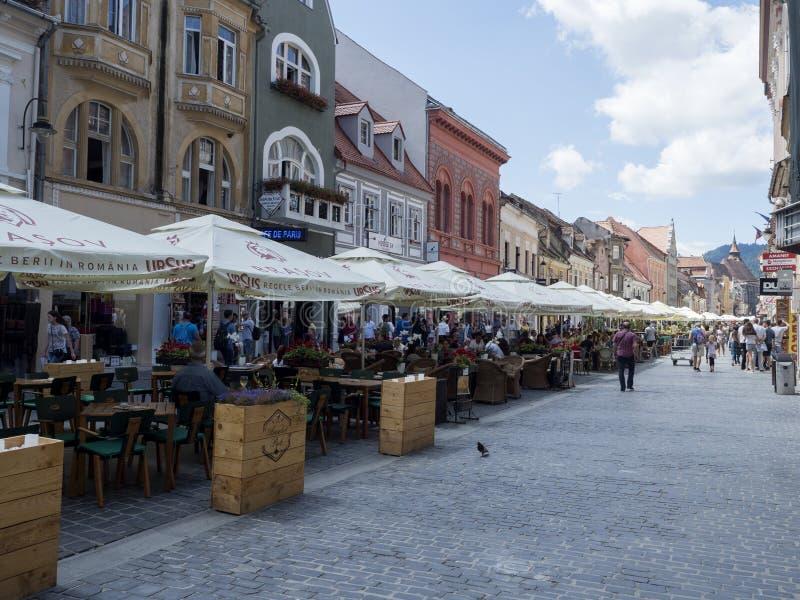 Rue de Republicii, Brasov, Roumanie photographie stock