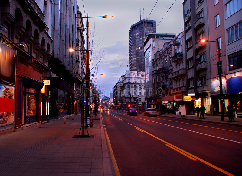 Rue de soirée de Belgrade photos stock