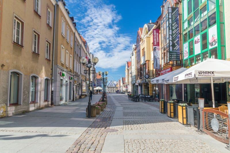 Rue de Staromiejska dans la vieille ville d'Olsztyn photographie stock