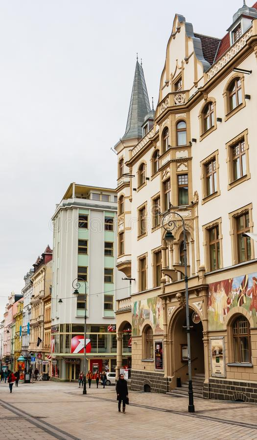 Rue de T G Masarik Vue de vieille ville de Karlovy Vary, photos stock
