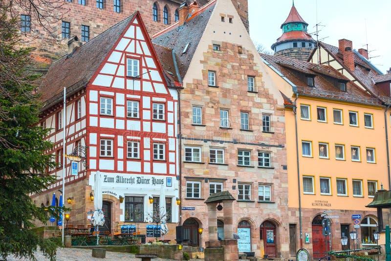 Rue de ville de Nuremberg, Franconia avec les maisons à colombage en Bavière image stock