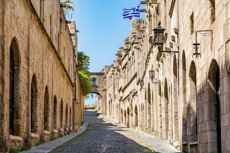 Rue des chevaliers, Rhodes, Grèce images stock