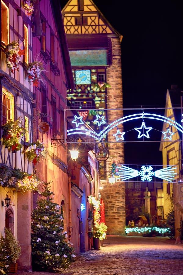 Rue Rue du Général de Gaulle de Noël de conte de fées de beau image libre de droits