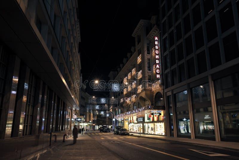 Rue du Rhone Nattcityscape, Gen royaltyfri fotografi