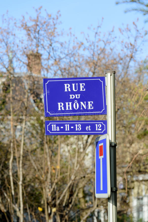 Rue Du Rhone Rhone Street vista en la ciudad Francia fotos de archivo