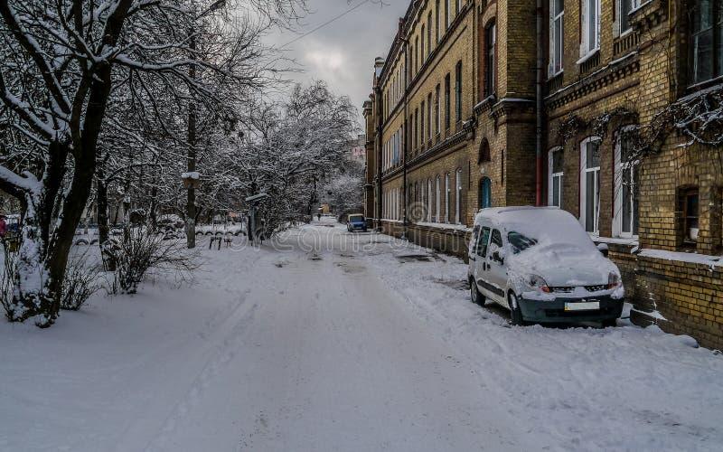 Rue en hiver images libres de droits