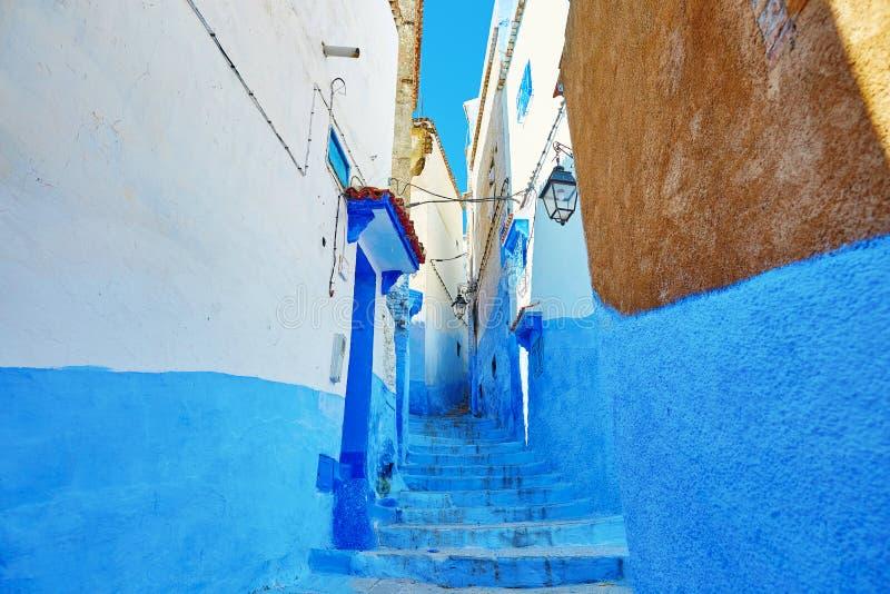 Rue en Médina de Chefchaouen, Maroc image stock