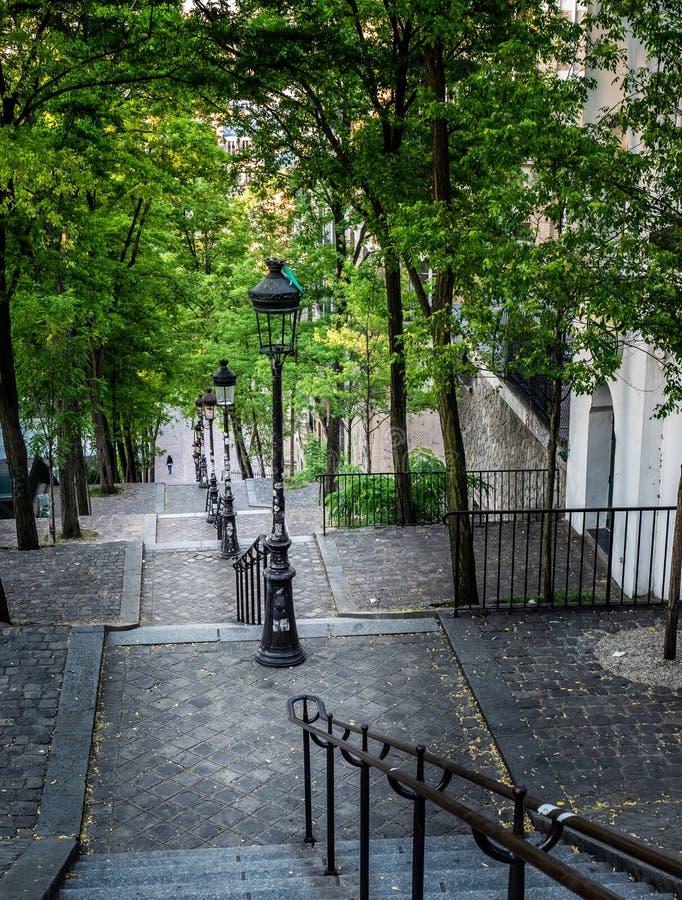 Rue Foyatier Stairs i Montmartre Paris fotografering för bildbyråer