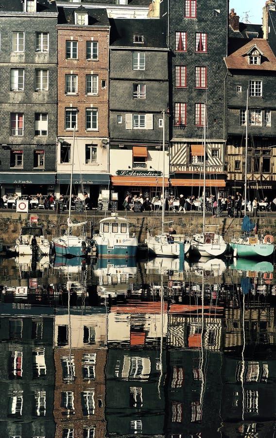 Rue française en rivière images stock