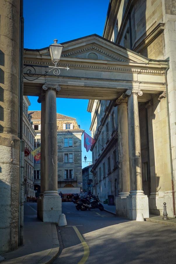 Rue Henri-Fazy gammal stad av Genève, Schweiz royaltyfri bild