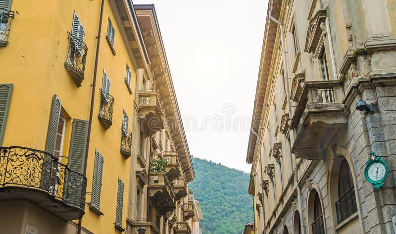 Rue italienne typique photos stock