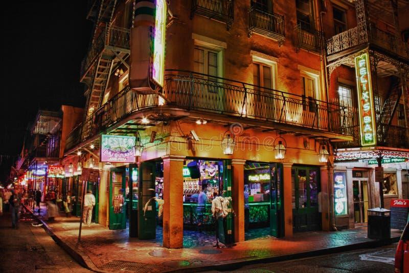 Rue la Nouvelle-Orléans - le bar de Bourbon du farceur images libres de droits