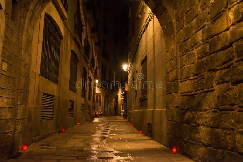 Rue lumineuse dans Barceloona image libre de droits