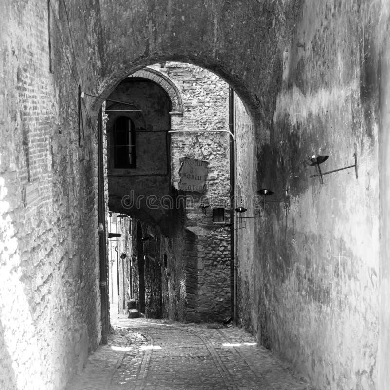 Rue médiévale dans Narni Ombrie photos stock
