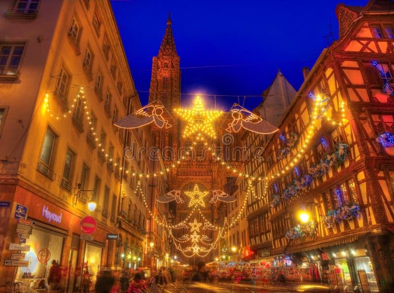 Rue Merciere During Christmas Illumination i Strasbourg arkivbild