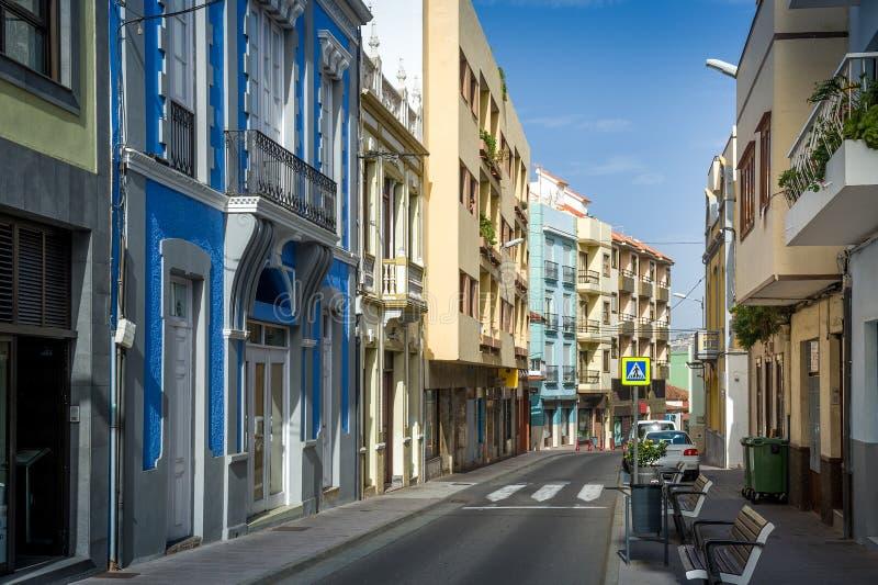 Rue minuscule de vieille ville de La Orotava, île de Ténérife photographie stock