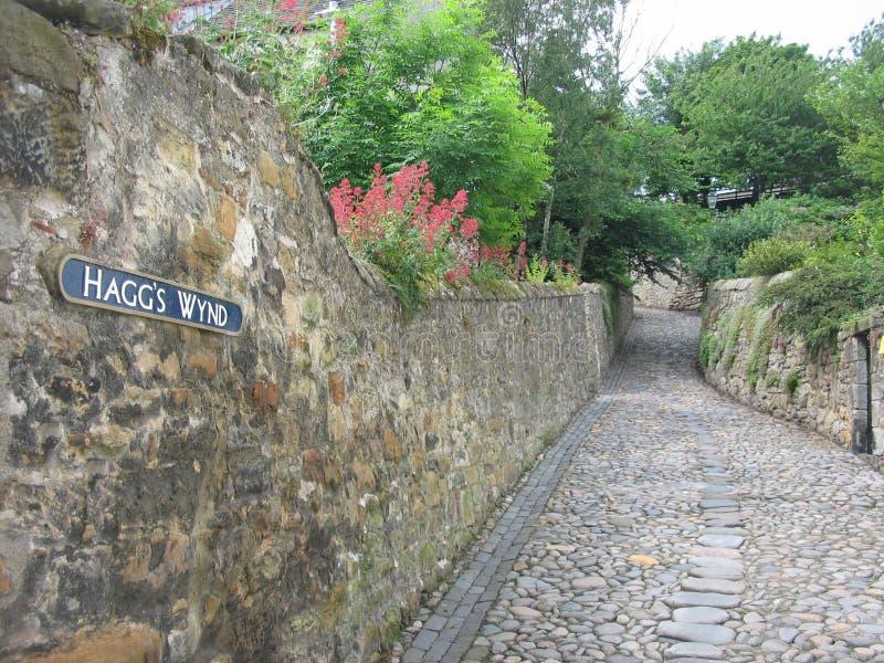Rue pavée en cailloutis, Culross photo libre de droits