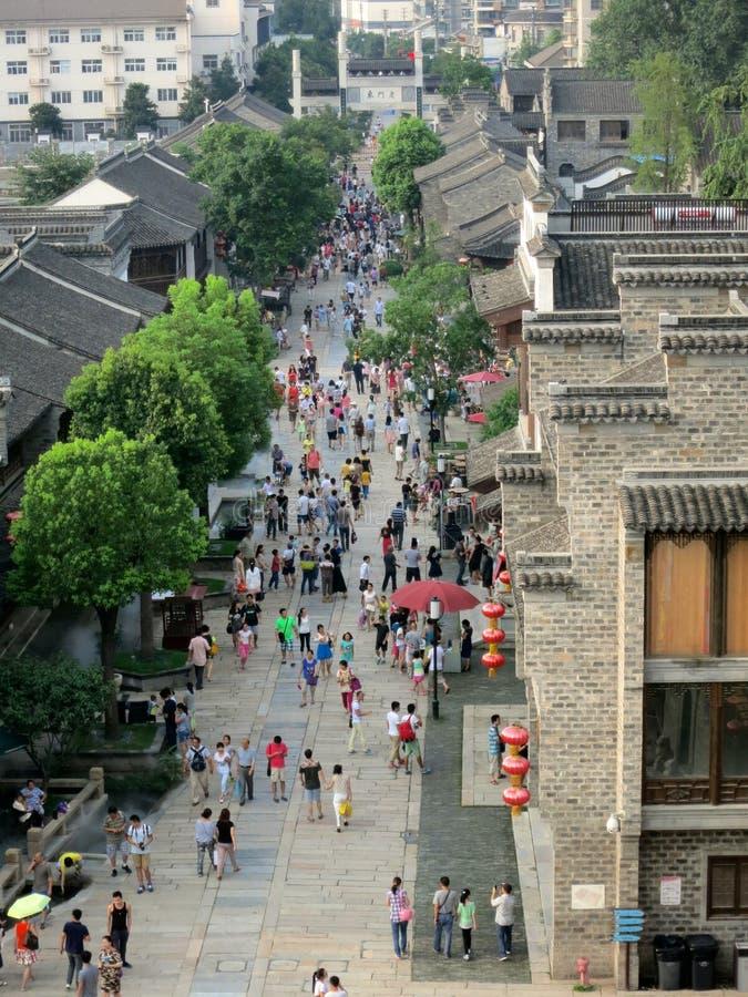 Rue piétonnière commerciale chinoise antique (vue de ci-dessus) image libre de droits