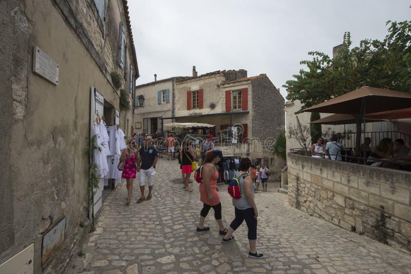 Rue Porte Mage Les Baux-de-Provence, Frankrike royaltyfri fotografi