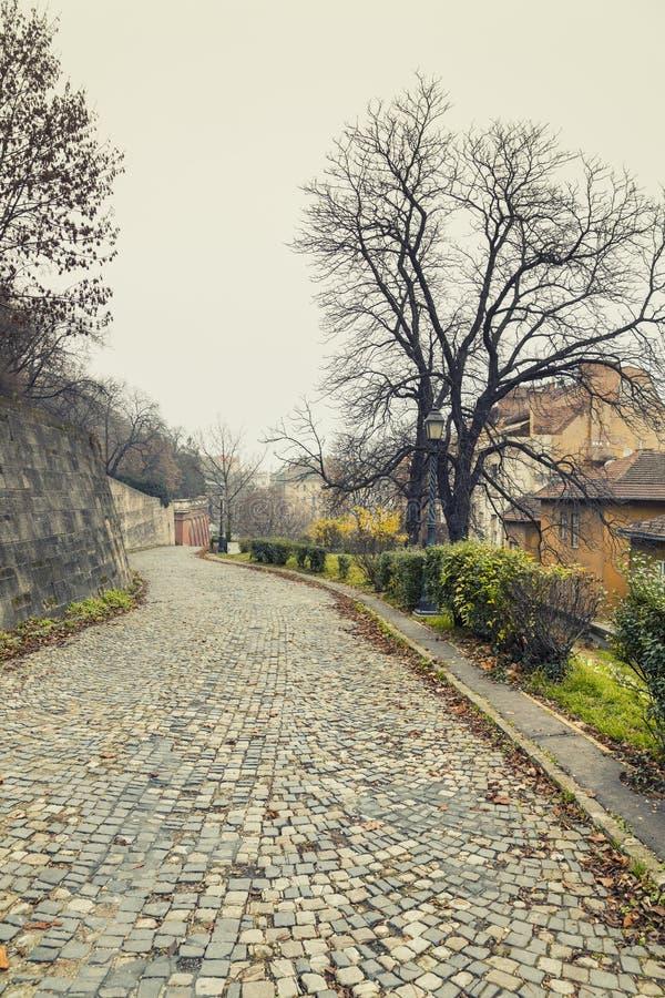 Rue près de Buda Castle, Budapest à l'hiver images stock