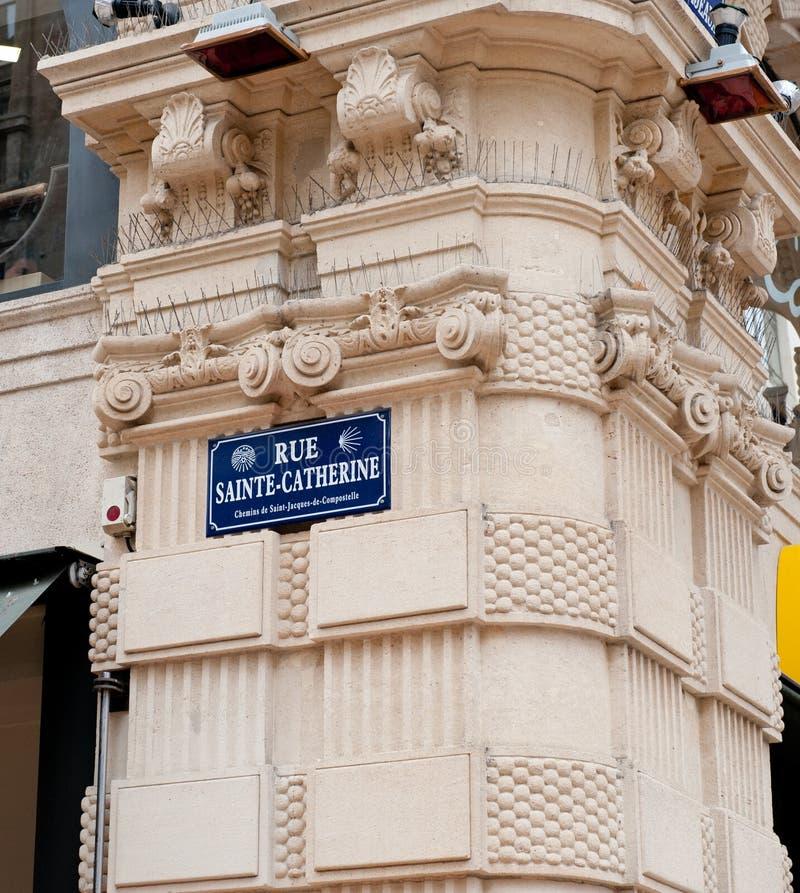 Rue Sainte-Catherine, straatteken, Bordeaux, Frankrijk - een deel van stock foto's